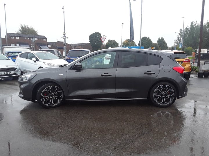 Ford Focus 1.0 Ecoboost 125PS ST-line X 5dr   MH68PYG   Photo 8