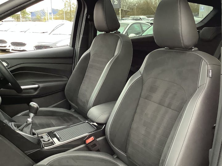 Ford Kuga 2.0 TDCi St Line X SUV 5dr Diesel Manual Awd (s/s) (180 Ps)   ML67KWG   Photo 8