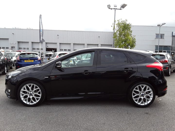 Ford Focus 1.0t Ecoboost St Line Hatchback 5dr Petrol (s/s) (140 Ps) | MM18VFG | Photo 8