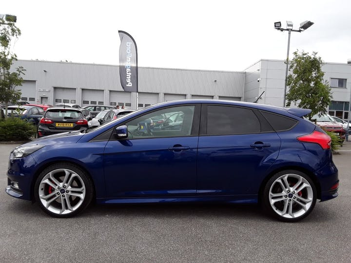 Ford Focus 2.0 TDCi 185PS ST-2 Navigation 5dr | MV18RXG | Photo 8
