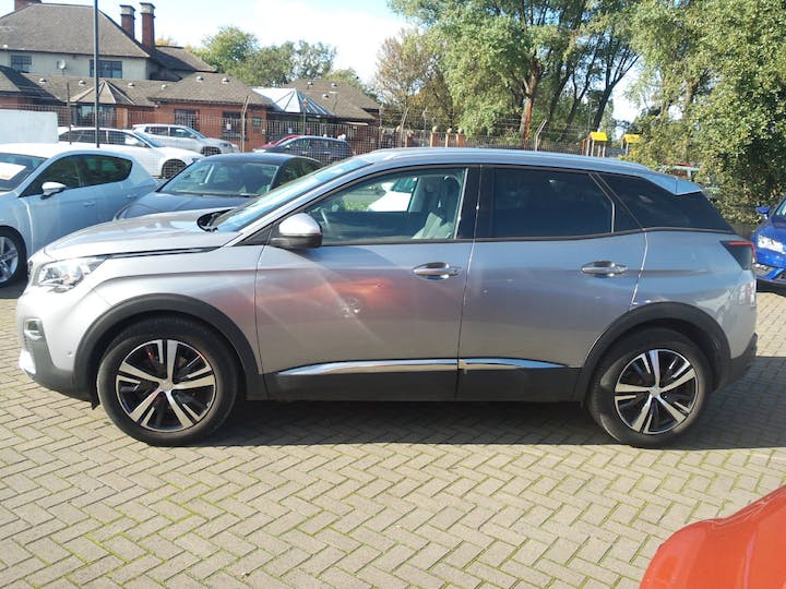 Peugeot 3008 1.6 Bluehdi 120PS Allure 5dr | NK67XHS | Photo 8