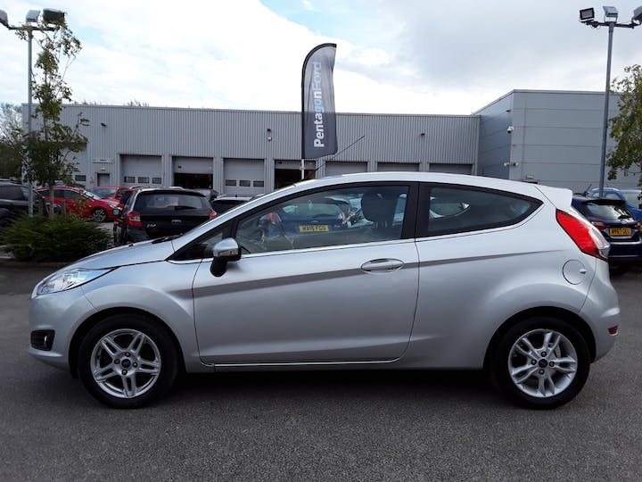 Ford Fiesta 1.0 Ecoboost Zetec Hatchback 3dr Petrol Manual (s/s) (99 G/km, 99 Bhp) | SM14OYB | Photo 8