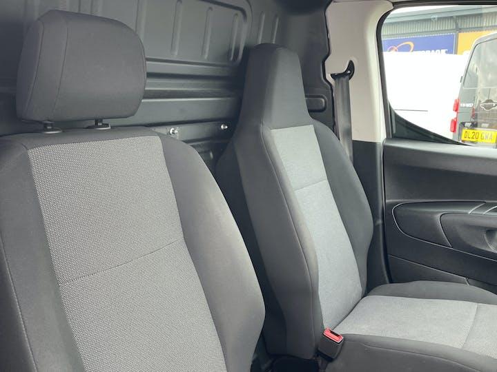 Vauxhall Combo L1 Diesel Combo Cargo 2000 1.6 Turbo D 7 5PS H1 Edition Van | DP19VBN | Photo 9