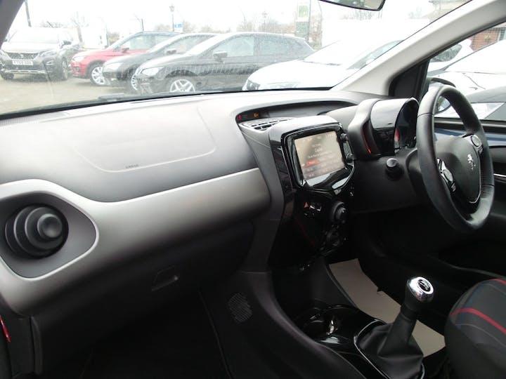 Peugeot 108 1.2 Puretech Allure Hatchback 3dr Petrol (82 Ps) | FV65LBY | Photo 9
