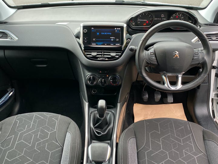 Peugeot 2008 1.2 Puretech Active SUV 5dr Petrol (82 Bhp) | GK67EXR | Photo 9