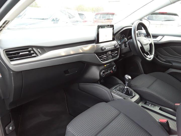 Ford Focus 1.0t Ecoboost Titanium Hatchback 5dr Petrol Manual (s/s) (125 Ps)   MD68YBJ   Photo 9