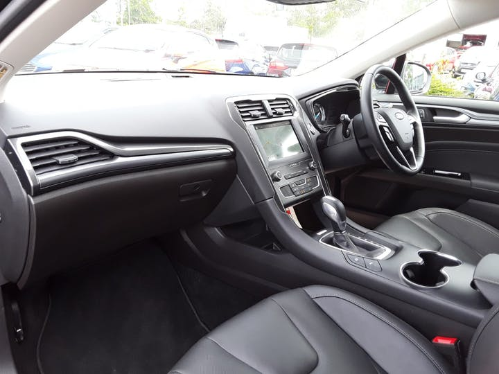 Ford Mondeo 2.0 Tivct Titanium Edition Estate 5dr Petrol Hybrid Cvt (s/s) (17 Inch Alloys) (187 Ps)   MF69TWK   Photo 9