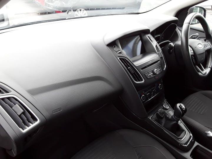 Ford Focus 1.0t Ecoboost Titanium Hatchback 5dr Petrol (s/s) (100 Ps) | MM17EHE | Photo 9