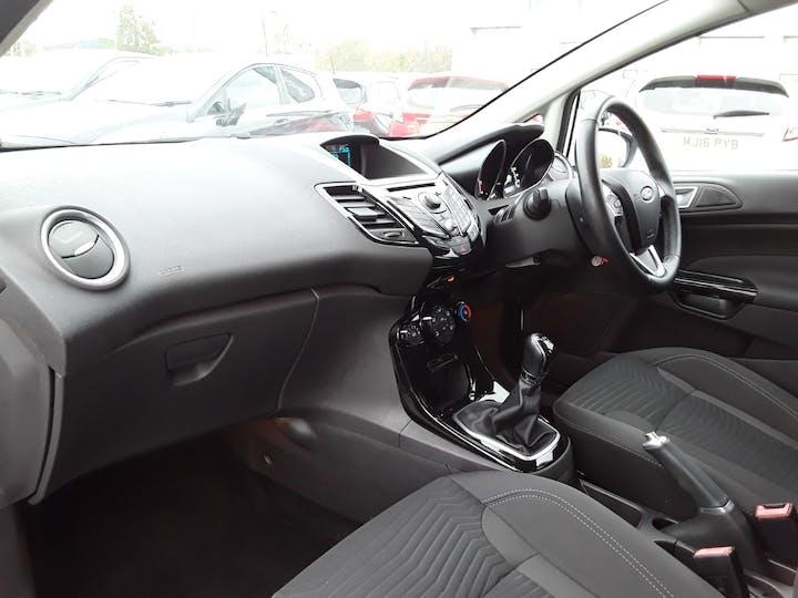 Ford Fiesta 1.25 Zetec Hatchback 5dr Petrol Manual (120 G/km, 81 Bhp) | MW64KPT | Photo 9