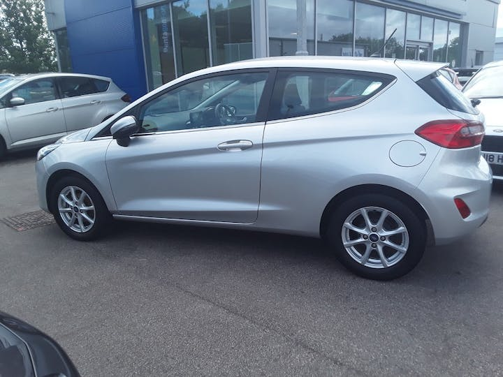 Ford Fiesta 1.1 Ti Vct Zetec Hatchback 3dr Petrol Manual (s/s) (85 Ps) | MW67VHG | Photo 9