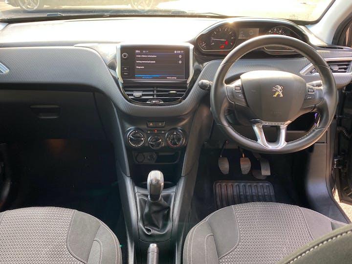 Peugeot 208 1.2 Puretech Allure Hatchback 5dr Petrol (82 Ps) | OY67ZCJ | Photo 9