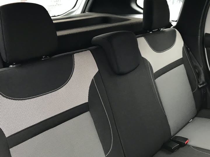 Dacia Duster 1.5 DCi Prestige SUV 5dr Diesel (s/s) (110 Ps) | YB67YTA | Photo 9