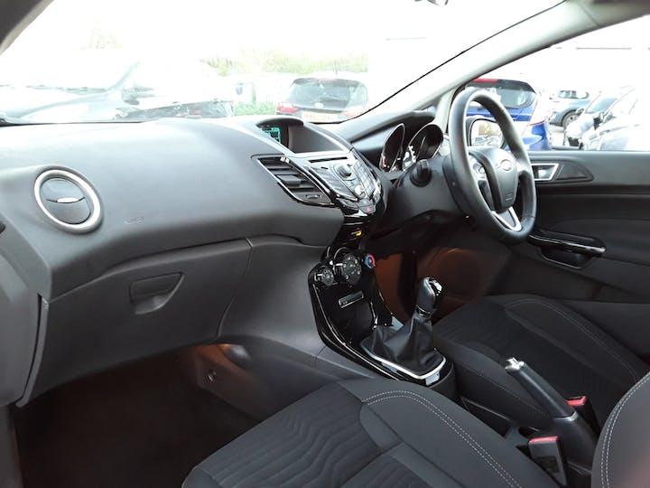 Ford Fiesta 1.0 Ecoboost Zetec 5dr | YG14RHT | Photo 9
